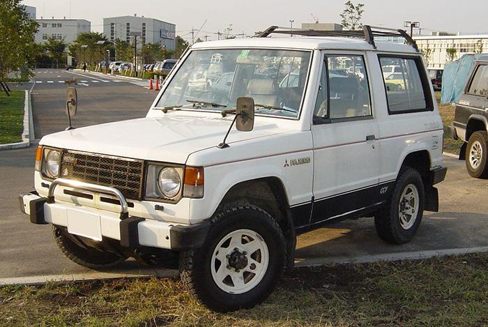 Mitsubishi_Pajero_LF