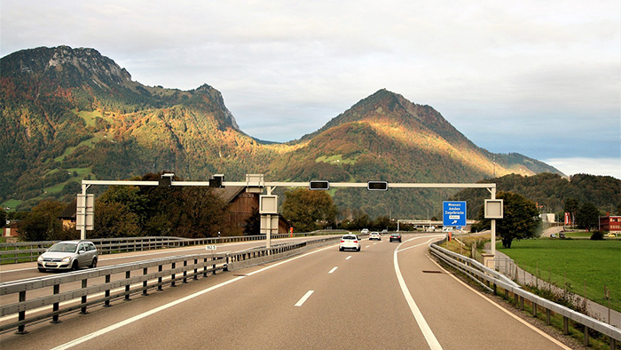 highway-2816788_1280