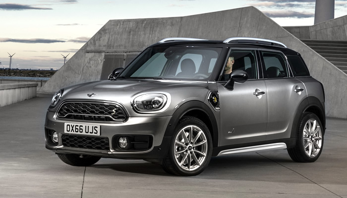 mini-crossover-cooperse-all4-f60-phev-melting-silver-main