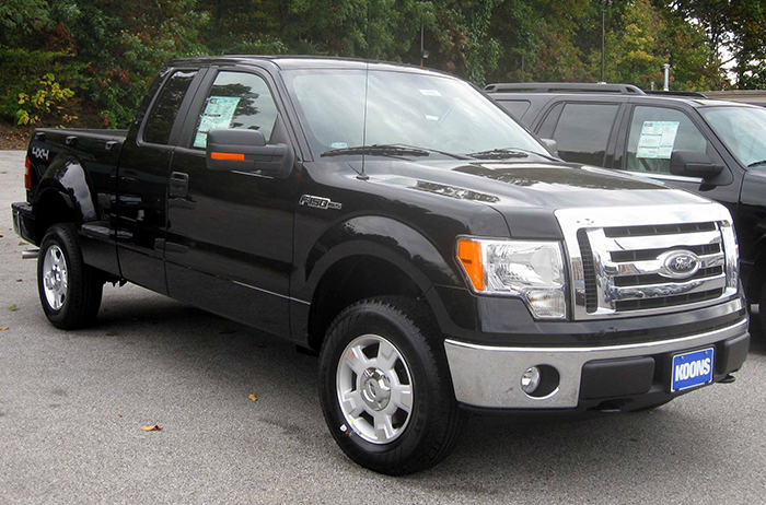2009_Ford_F-150_XLT
