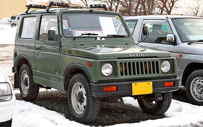 800px-Suzuki_Jimny_SJ30_001