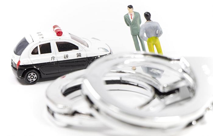 規制区間でチェーンを装着していないと6ヶ月以下の懲役または30万円以下の罰金